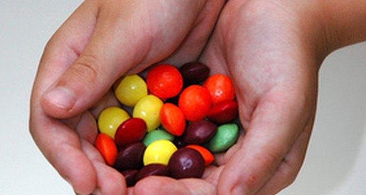 O excesso de açúcar na dieta pode alimentar as leveduras do corpo