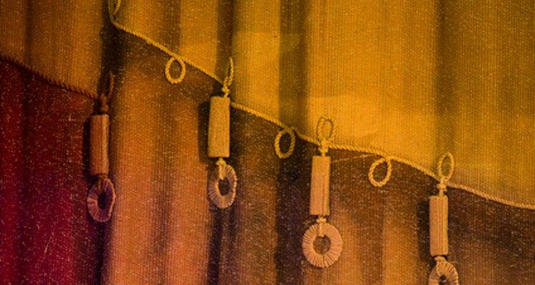 Algunos materiales son mejores para cortinas que otros.