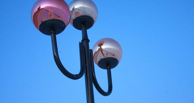 En algunas ocasiones, las luces de halogenuros metálicos se pueden sustituir por bombillas LED.