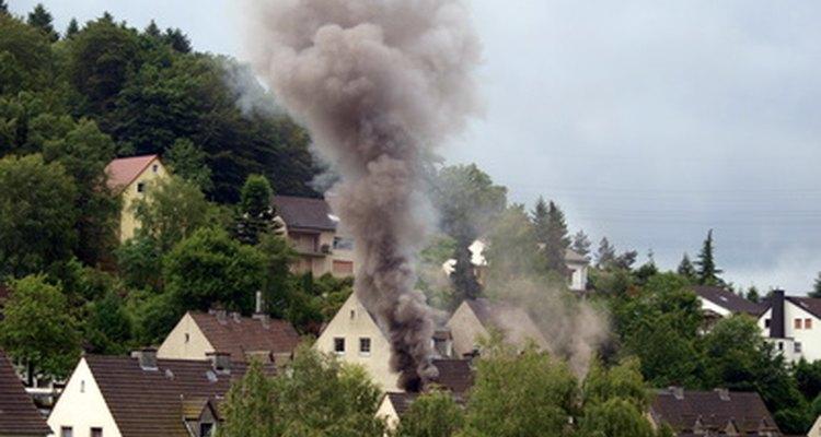 Detectores de fumaça da First Alert oferecem uma maneira segura de parar os barulhos indesejados