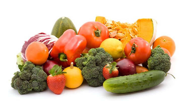 Foods that are high in vitamin K should be avoided by those taking warfarin sodium.
