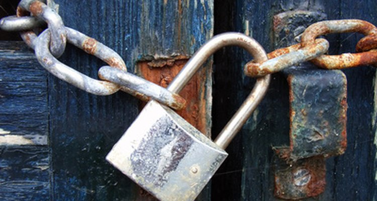 The U-shaped metal bar is called the hasp or shackle.