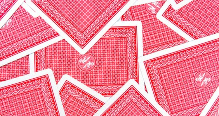 Jogos de carta como Txintxon e truco são originários da Espanha