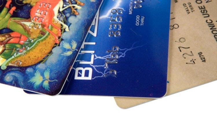 Revisar el uso de la tarjeta de crédito es una manera de encontrar a una persona en cualquier lugar del mundo.
