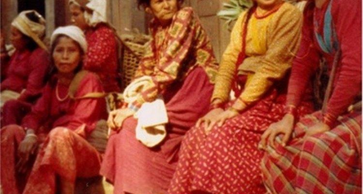Los vestidos de las mujeres campesinas eran largos y simples.