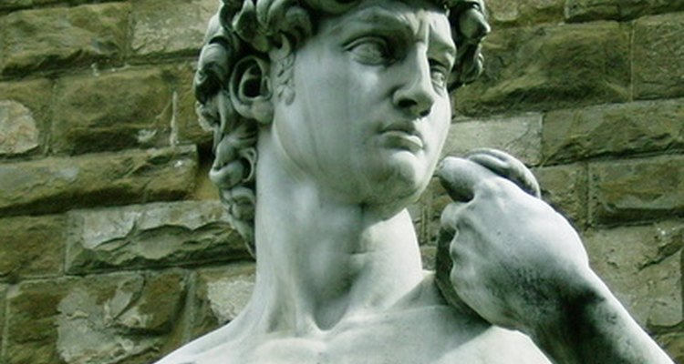 A famosa escultura de Davi na galeria dell'Academia em Florência, Itália