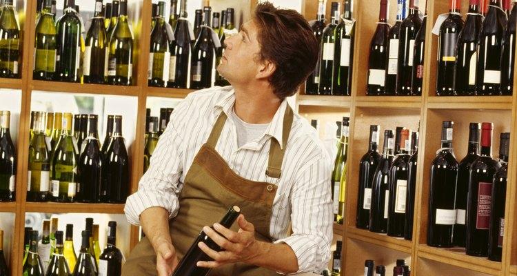 Las tarifas para una licencia de licor en Texas van desde US$1.426 para un almacén de paquetes hasta US$6.512 para un proveedor de bebidas mixtas.