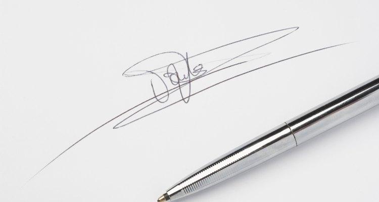 Uma assinatura eletrônica permite com que você autentique seus documentos