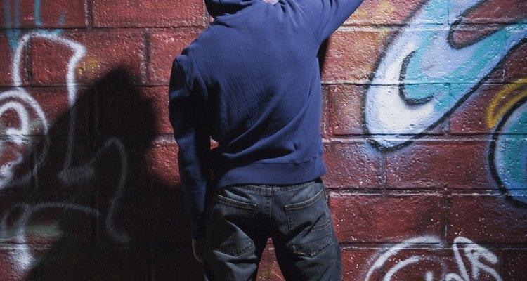 Puedes pintar sobre cualquier superficie de cemento, a condición de que la superficie se haya preparado adecuadamente.