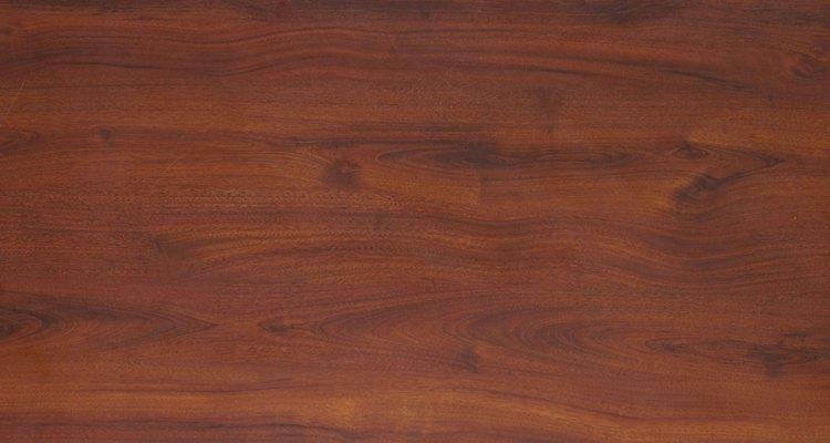 Ten en cuenta el acabado de la madera antes de que comiences.