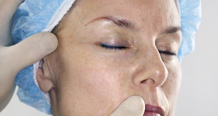 Decida entre um dermatologista e um esteticista