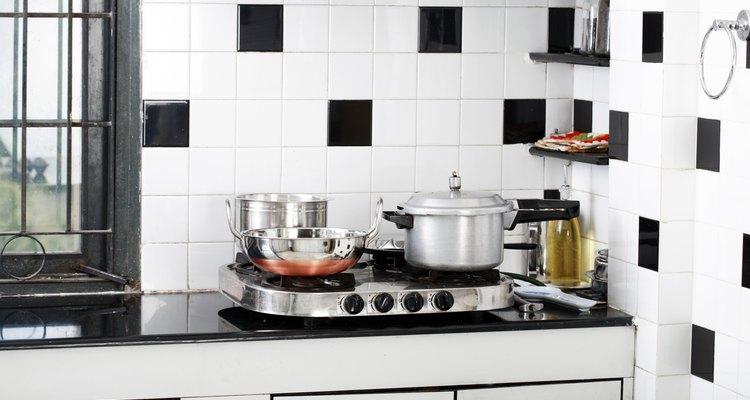 É possível pintar os botões do fogão através de tintas específicas para superfícies de plástico