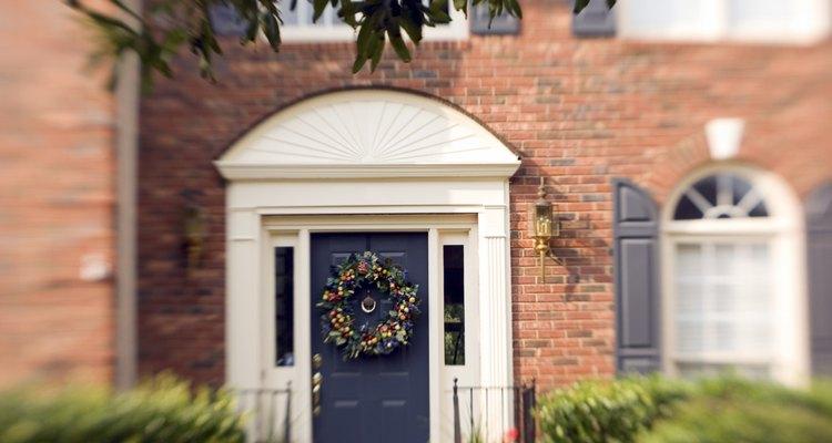 Pon ladrillo alrededor de puertas y ventanas de forma correcta y obtendrás el mejor resultado.