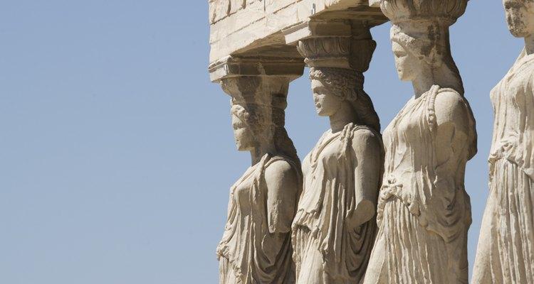 Pedra calcária e mármore eram largamente usados em templos gregos da antiguidade