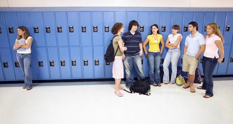 A escola é uma das instituições que você estudará, tanto na macro quanto na micro sociologia