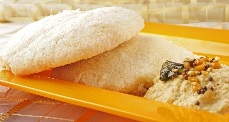 El naan es un pan que acompaña casi todas las comidas hindúes.