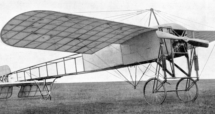 Los aeroplanos antiguos usaban un fuselaje de armadura soldada con un forro de tela.