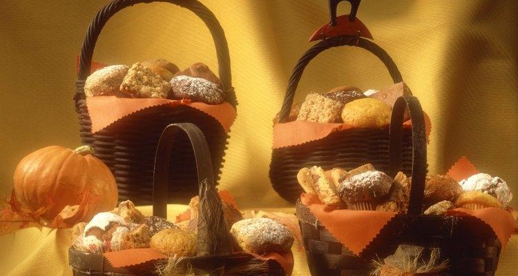 Surpreenda os noivos com uma cesta de lua de mel