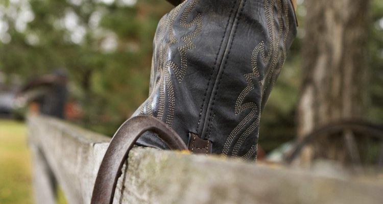 Ponte tus nuevas botas de vaquero sin problemas.