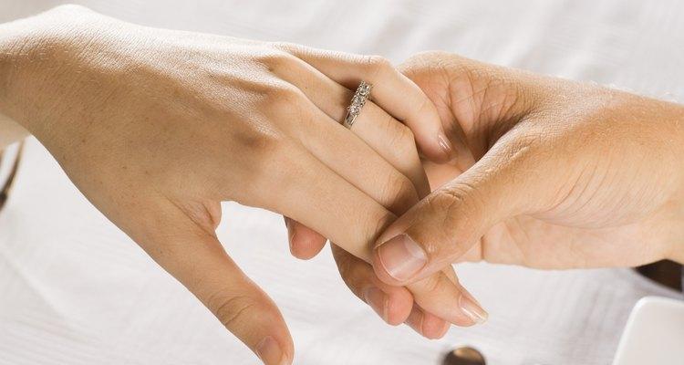 Alguns dos presentes mais significativos para um casal são aqueles que os ajudarão a construir uma união forte