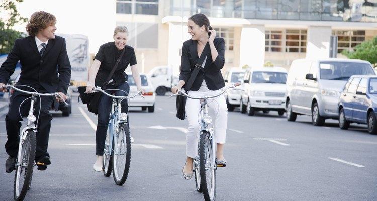 Deixe o carro em casa algumas vezes e saia de bicicleta