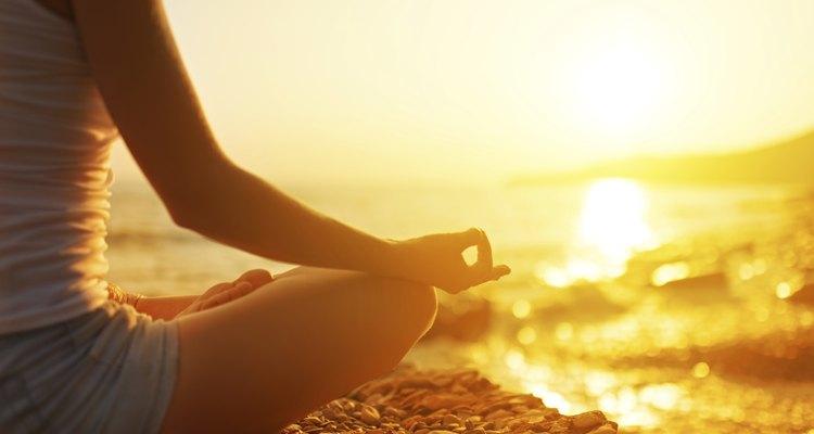 Pratique meditação para que a sua mente esteja limpa e com as portas abertas para recordar o passado