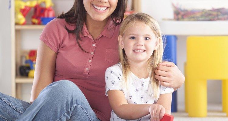 Faça quantas perguntas forem necessárias a um possível cuidador infantil para que se sinta confortável