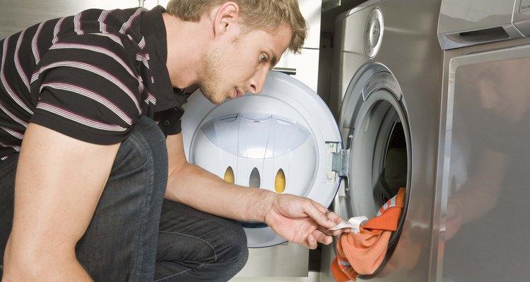 Lava la ropa con fibra de vidrio por separado.