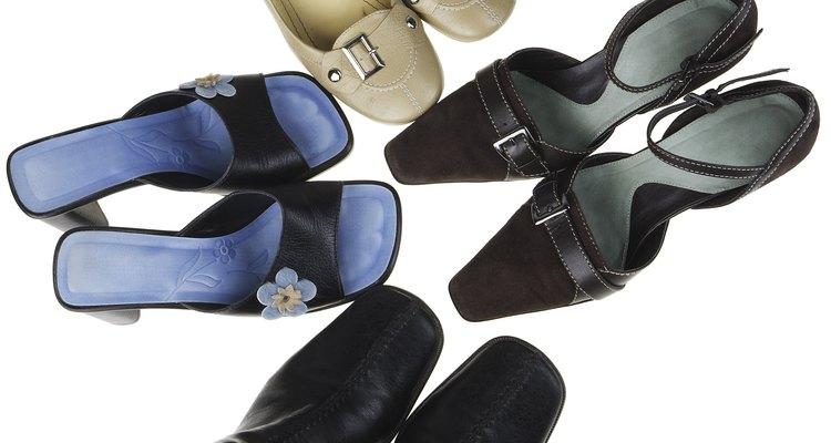 Seus lindos sapatos podem deixar seu armário com mal cheiro