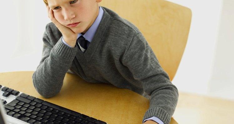 Hay muchas razones por las cuales un niño podría pensar que la tarea escolar es fastidiosa.
