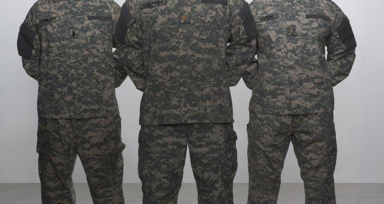 Una apariencia profesional y la imagen del uniforme proyecta la disciplina y la fuerza de los militares de los Estados Unidos.