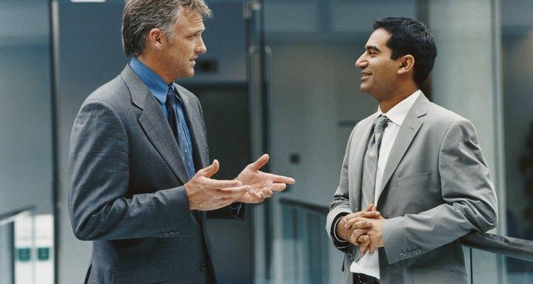 Antes de solicitar una licencia de negocio, debes elegir un nombre para tu empresa, así como una actividad de negocio principal.