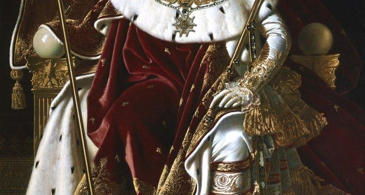 Una forma en la que los monarcas mantienen su poder es definiendo las riquezas y el poder en clases rígidas de la sociedad.