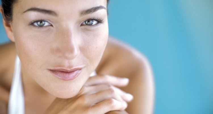 A exposição aos raios ultravioleta aumenta a produção de melanina