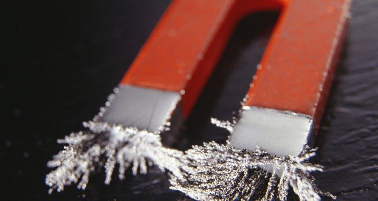 Los campos magnéticos permiten detectar el metal.
