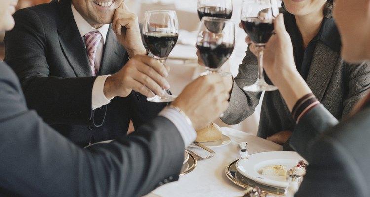 No uses nada que sobresalga en una cena de negocios.
