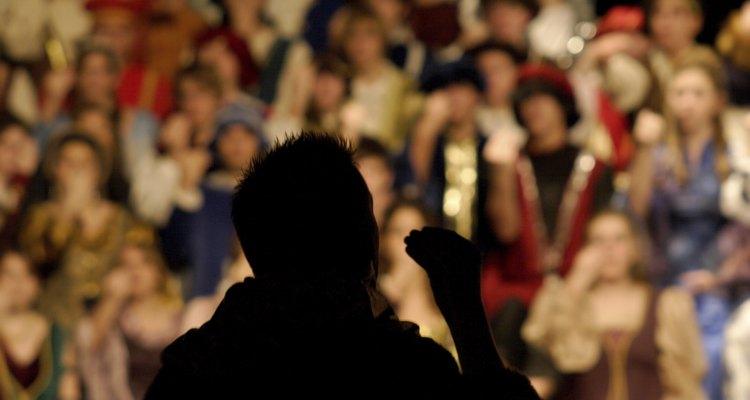 Las clases de teatro pueden ayudar a los estudiantes a desarrollar confianza.