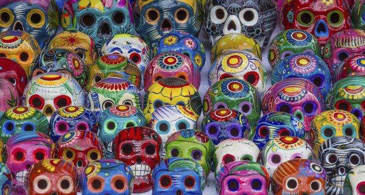 La mayoría de los países latinoamericanos celebran el día de los muertos.
