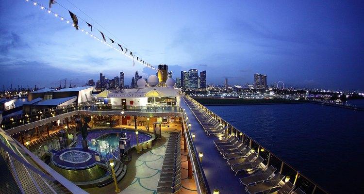 Navio de cruzeiro em Singapura