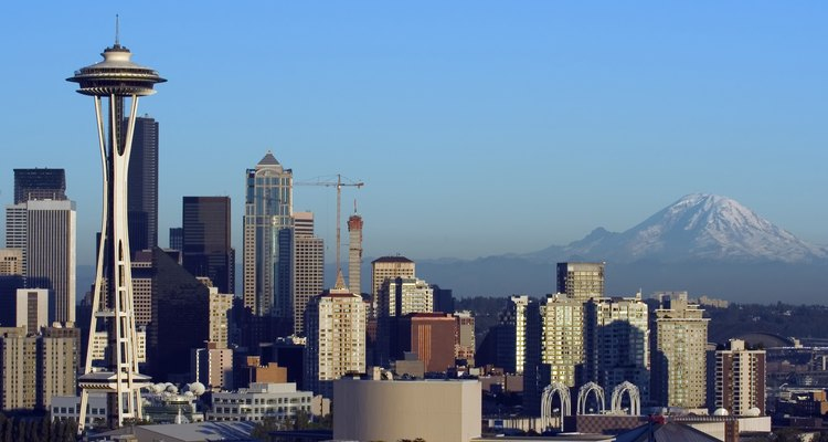 Seattle with Rainier before sunset