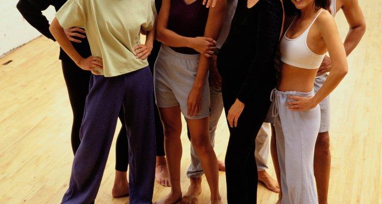 Incluso con las rodillas en malas condiciones, es posible que puedas asistir a las clases de Zumba.