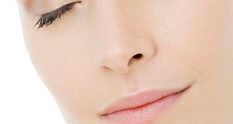 Quita los bultos de acné.