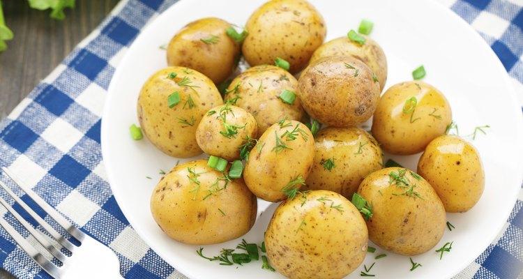 Potato with dill and scalliom