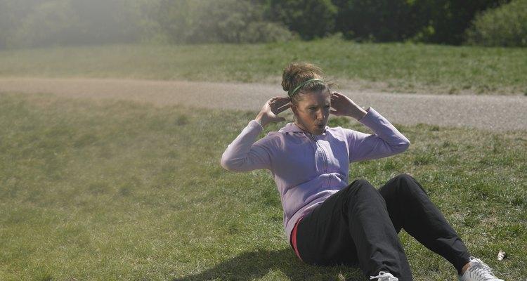Abdominal é um ótimo exercício para fortalecer a barriga