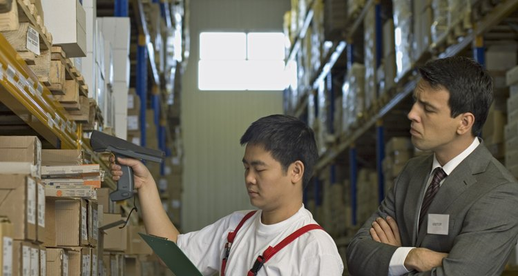 La relación empleador/trabajador es asimétrica en términos de autoridad.