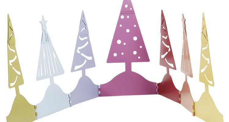 Varias formas geométricas son usadas para hacer representaciones del árbol de Navidad.