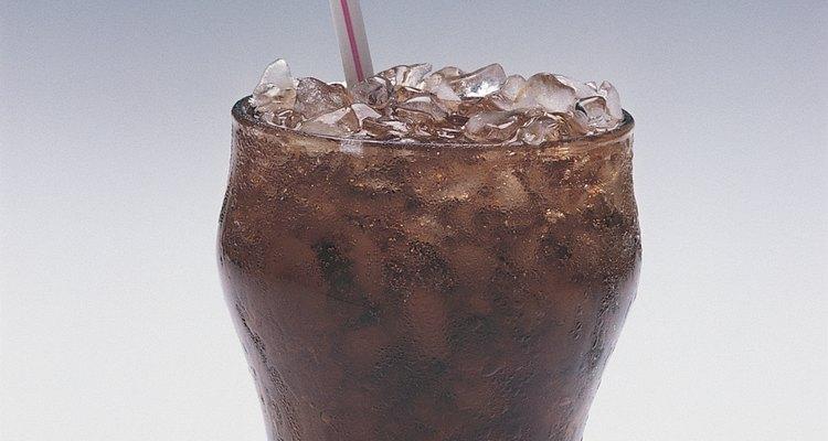 La bebida cola remueve el óxido de muchas superficies.