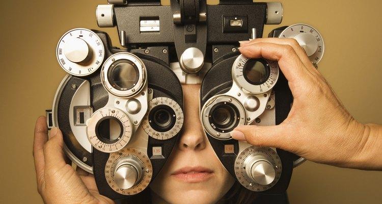 Consulte regularmente seu oftalmologista para manter a qualidade de seus óculos