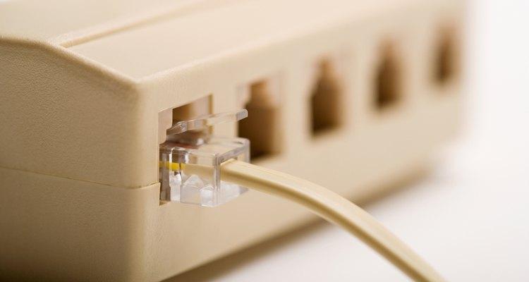 O cliente telnet simula o comando ping e é capaz de testar portas específicas