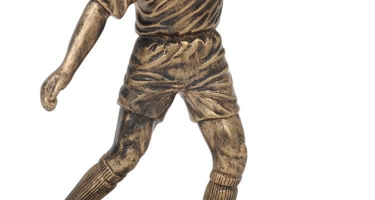 A força e resistência à corrosão do bronze o torna adequado para moldar estátuas